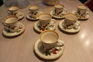 LOT OF 8 MIKASA STRAWBERRY FESTIVAL CUPS AND SAUCERS
