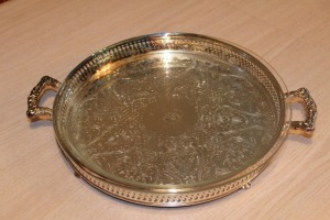 SILVER PLATE SERVING TRAY WITH PYREX GLASS DISH