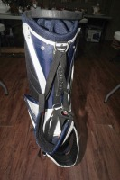 UNUSED LIGHTWEIGHT FULL-SIZE MICHELOB ULTRA LIGHT GOLF BAG WITH BUILT-IN STAND - 5