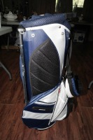 UNUSED LIGHTWEIGHT FULL-SIZE MICHELOB ULTRA LIGHT GOLF BAG WITH BUILT-IN STAND - 6
