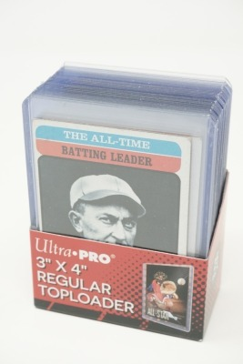 VARIOUS SPECIAL ISSUE BASEBALL CARDS IN HARD PLASTIC COVERS