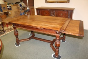 ANTIQUE TABLE WITH PULL OUT LEAVES