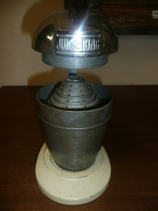 ANTIQUE JUICE KING JUICER