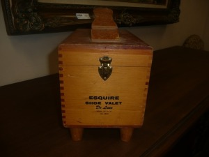 VINTAGE ESQUIRE SHOE VALET KIT WITH BRUSHES AND OTHER SUPPLIES