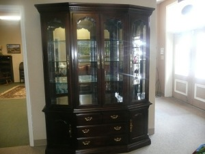 PRETTY CHINA CABINET BY THOMASVILLE FURNITURE