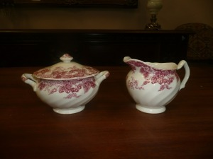 JOHNSON BROTHERS STRAWBERRY FAIR SUGAR BOWL AND CREAMER