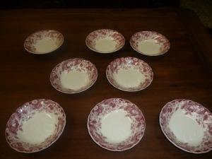 LOT OF EIGHT JOHNSON BROTHERS STRAWBERRY FAIR SMALL BOWLS