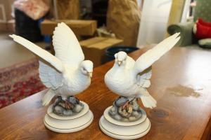 PAIR OF WHITE DOVE STATUES BY ANDREA