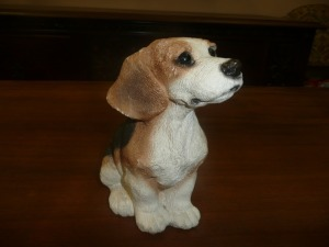 ANIMAL CLASSIC BEAGLE STATUE
