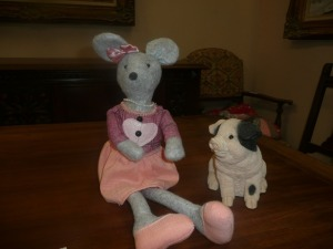 MOUSE DOLL & PIG PIGGY BANK
