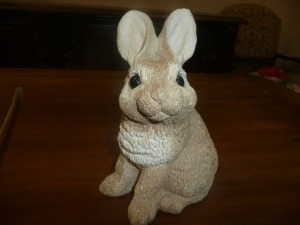 ANIMAL CLASSICS RABBIT STATUE