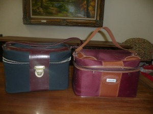 LOT OF 2 VINTAGE TRAVEL BAGS