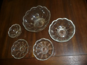 CLEAR GLASS BOWL SET