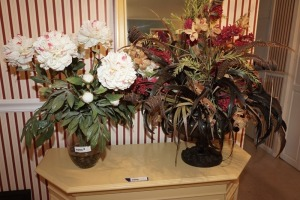 PAIR OF FLORAL ARRANGEMENTS WITH VASES - FOY