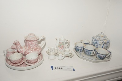 VINTAGE PORCELAIN TEA SET MINIATURES - LIV