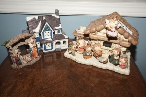 CHRISTMAS FIGURINES INCLUDING PAIR OF NATIVITY SCENES - LIV