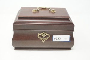 TREASURE BOX AND VINTAGE JEWELRY INCLUDING CAMEO SCREW CLAMP EARRINGS - LIV