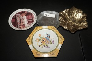 VINTAGE CANDY DISHES AND ASHTRAY - LIV