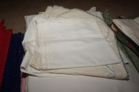 VINTAGE TABLE LINENS - LIV - 5