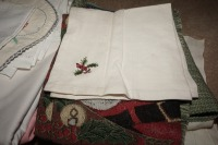 VINTAGE TABLE LINENS - LIV - 10