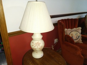 DECORATIVE TABLE LAMP, 29-IN TALL