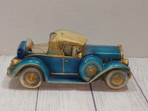 IN ARCO COMPANY, 1931 CADILLAC SPORT ROADSTER REPLICA FIGURINE, NUMBERED E2677, VERY GOOD CONDITION