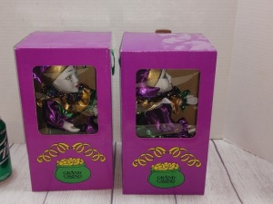 SET A TWO GRAND CASINO MARDI GRAS JESTER DOLLS, BOTH PLAY MUSIC