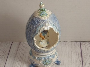 CAROUSEL HORSE EGG MUSIC BOX, PLAYS EDELWEISS