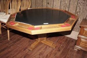 GAME TABLE WITH FOLDING COVER