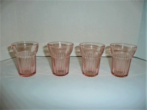 LOT OF 4 VINTAGE QUEEN MARY PINK DEPRESSION GLASS FRUIT JUICE GLASSES
