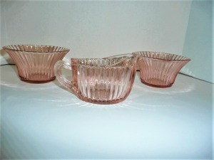 VINTAGE QUEEN MARY PINK DEPRESSION GLASS CREAMER AND 2 BOWLS