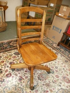 WOODEN DESK / OFFICE CHAIR