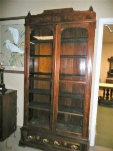ANTIQUE EASTLAKE WALNUT DISPLAY BOOKCASE DATING 1885