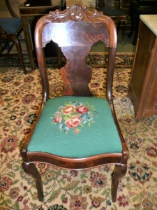 VINTAGE CHAIR WITH NEEDLEPOINT SEAT