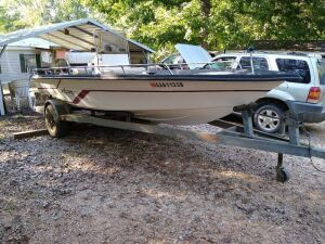 1994 ASTRO 17CC CENTER CONSOLE FISHING BOAT WITH MERCURY 75 AND GALVANIZED DRIVE ON TRAILER