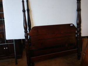 FULL SIZE HEADBOARD AND FOOTBOARD WITH SIDE RAILS, FOOTBOARD IS SCRATCHED SEE PICTURES
