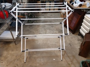 VERY GOOD CONDITION METAL CLOTHES DRYING RACK, 15-IN X 28-IN X 41-IN HIGH