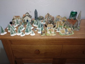 LARGE GROUP OF CHRISTMAS FIGURINES/DECOR, SEE PICTURES FOR DETAIL AND SPRITE CAN FOR SIZE REFERENCE