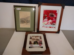 SET OF THREE PICTURE FRAMES, ONE HAS A MERRIAM MCCARTHY ART PIECE INSIDE