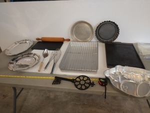 LARGE SET OF VARIOUS KITCHEN SERVING ITEMS