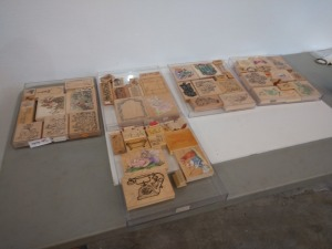 APPROXIMATELY 50 PLUS VARIOUS SIZE AND TYPE RUBBER STAMP COLLECTION