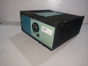 BELL & HOWELL SLIDE PROJECTOR