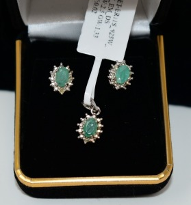 STERLING SILVER EMERALD PENDANT AND EARRINGS SET
