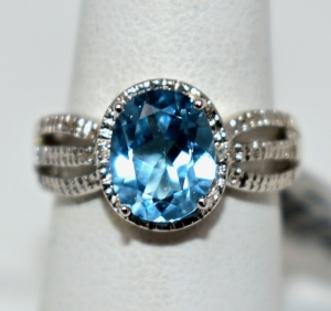 STERLING SILVER SKY BLUE TOPAZ RING SIZE 6