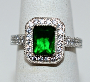 STERLING SILVER CREATED EMERALD RING SIZE 7