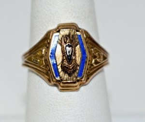 1942 CLASS RING MARKED BALFOUR GOLD FLEX SIZE 8