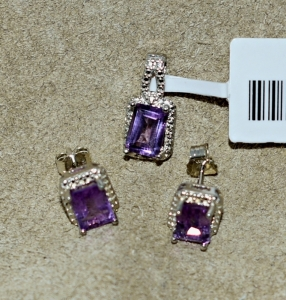 STERLING SILVER AMETHYST PENDANT AND EARRINGS JEWELRY SET / PENDANT STONE NEEDS TO BE STRAIGHTENED