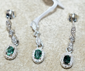 STERLING SILVER SMALL EMERALD PENDANT AND EARRINGS