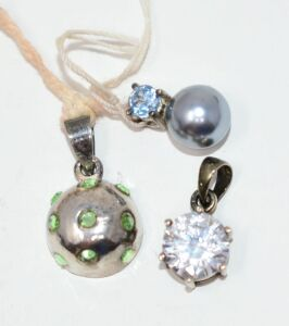 GENUINE GEMSTONE AND PEARL SLIDER PENDANT SET IN STERLING SILVER PLUS TWO MORE STERLING SILVER PENDANTS
