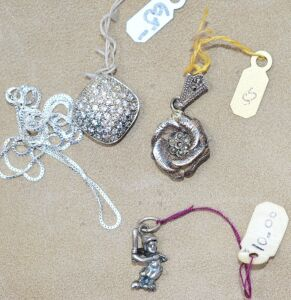 3 STERLING SILVER PENDANTS AND CHAIN